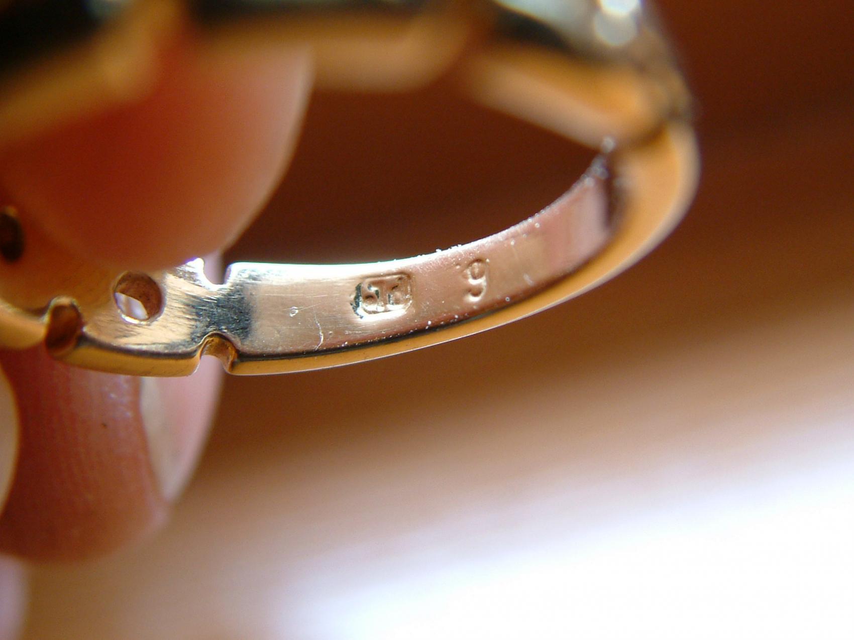 Kennt jemand diese Ring Punze?